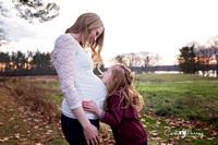 Maine Maternity and Family Photographer